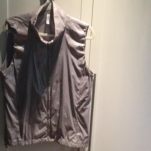 GAP Jackets & Blazers - GAP Body Fit Lilac Vest with zippered pockets